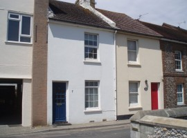 2 Bed Mid Terrace Cottage