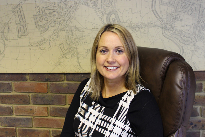 Amber Wallace : Property Sales Consultant