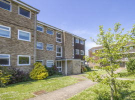 1 Bed Second Floor Flat
